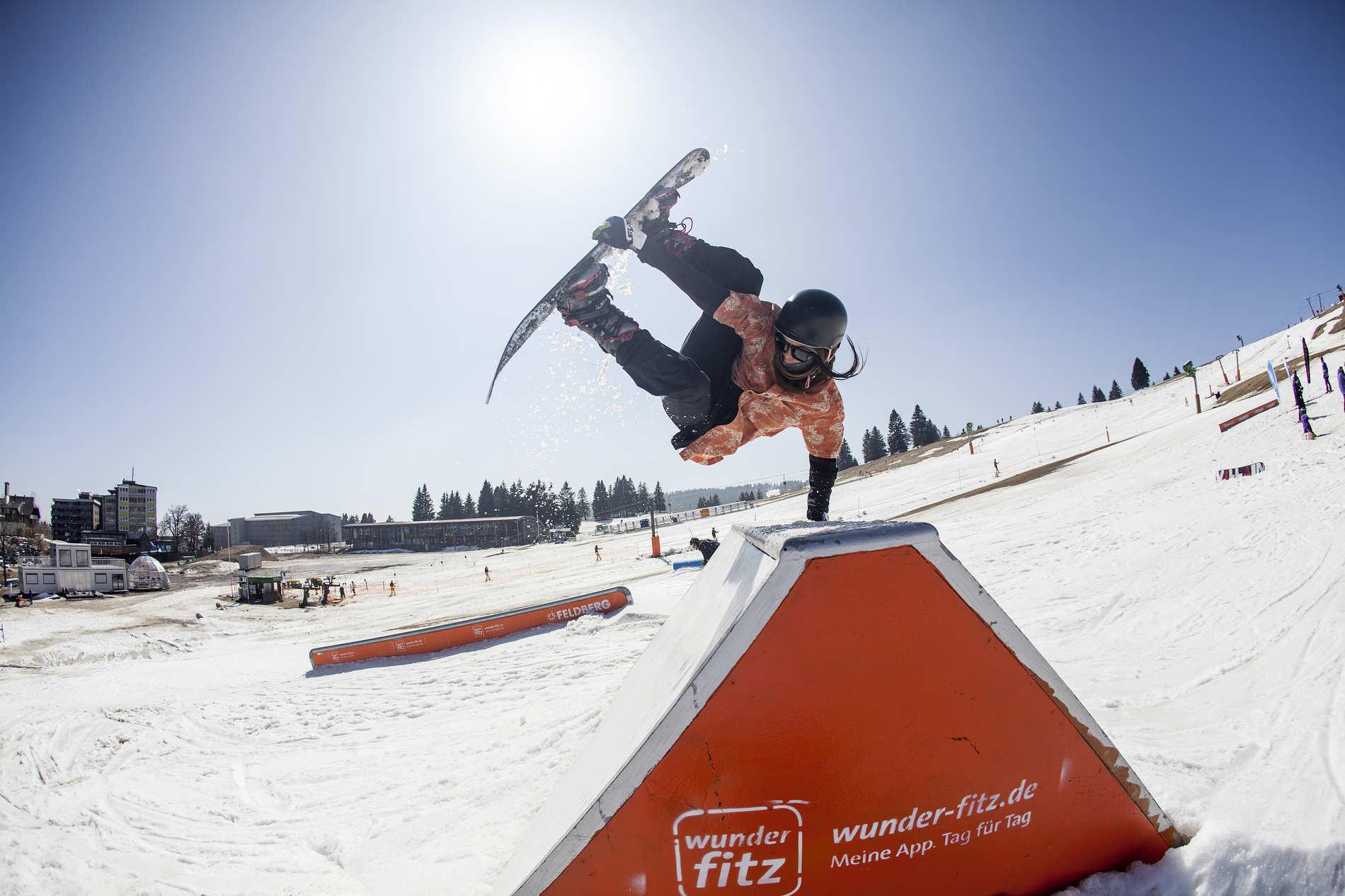 web snowpark feldberg 25 03 2017 action sb gyo yoshida martin herrmann qparks 1