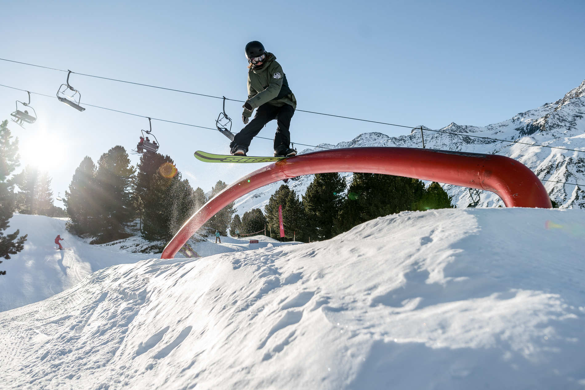 web obergurgl 29 01 2017 action sb naomi macfarlane christian riefenberg qparks 1