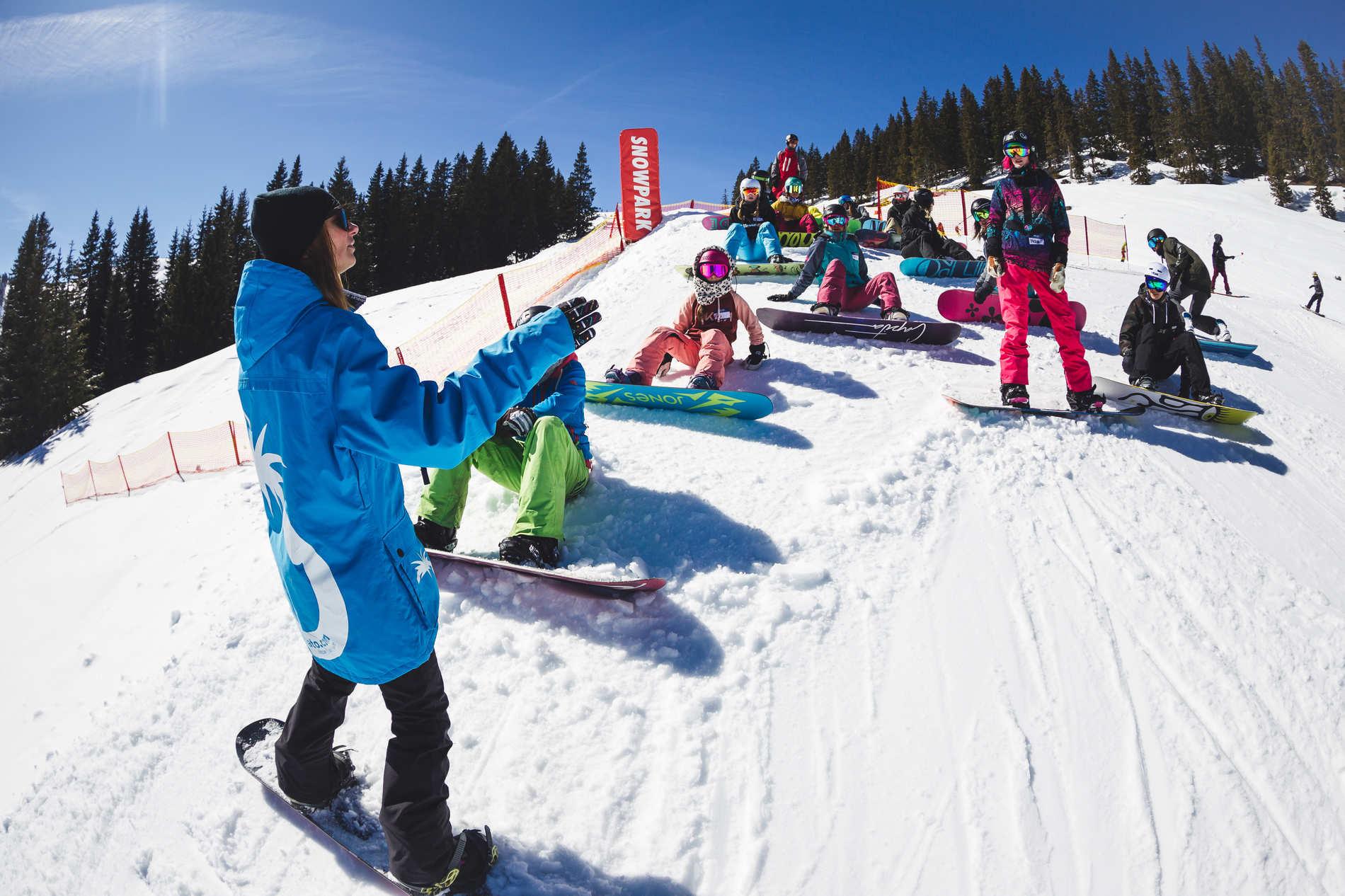 Blue Tomato Girls Day Hochkönig 2018 - Snowboard Edit