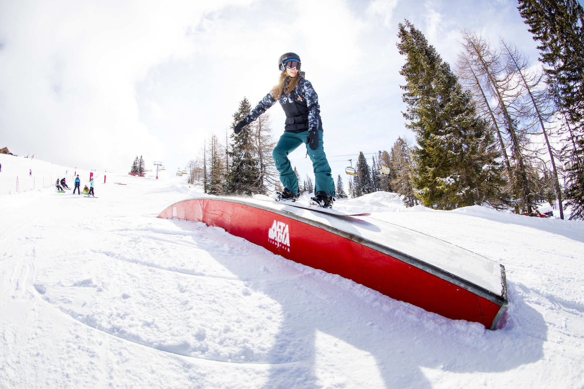 Dolce Vita? No! – Extensive Park Action at the  Girls Shred Session Alta Badia