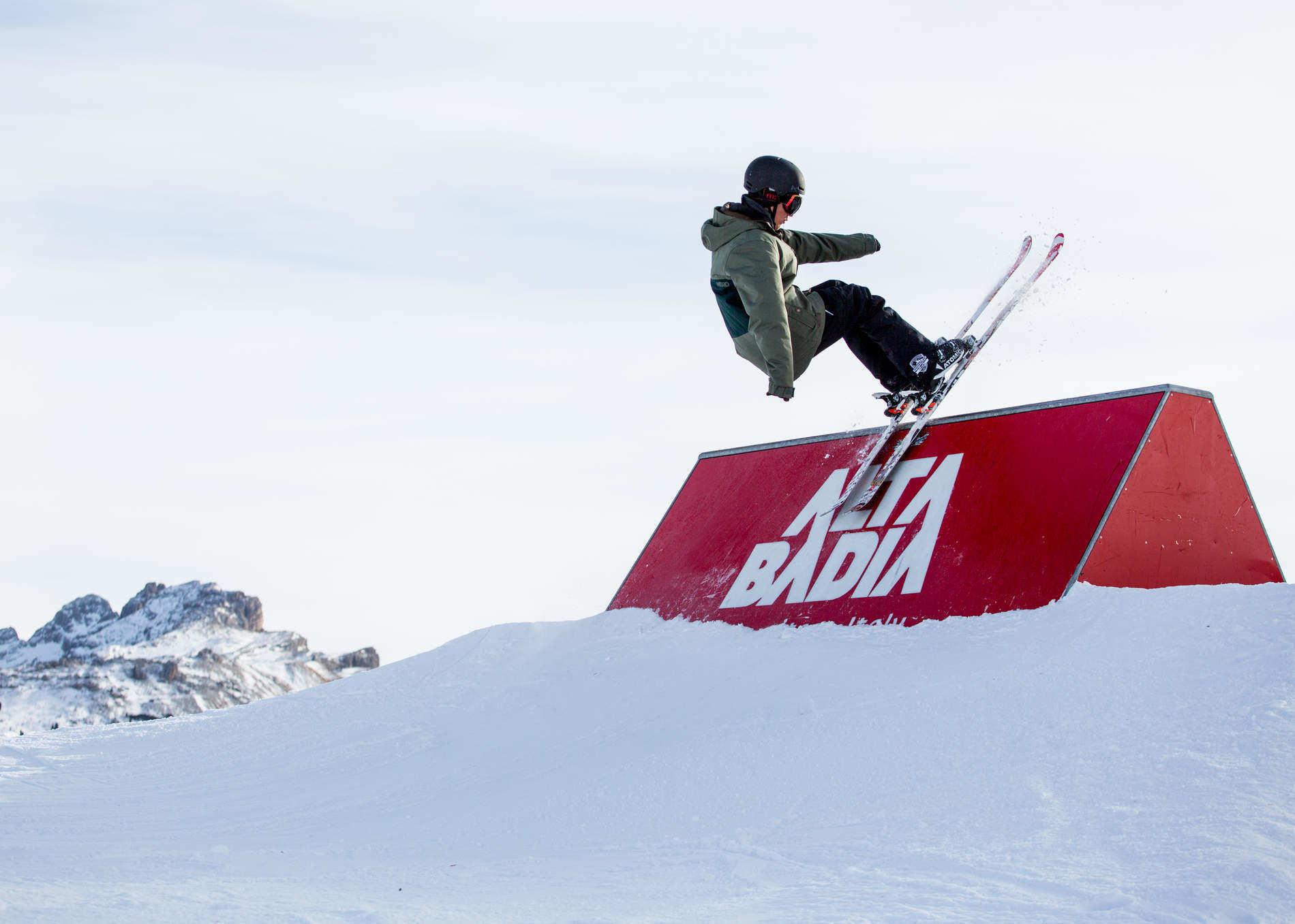 Pirates Territory – Two Generations of Freestyle Pirates at Snowpark Alta Badia
