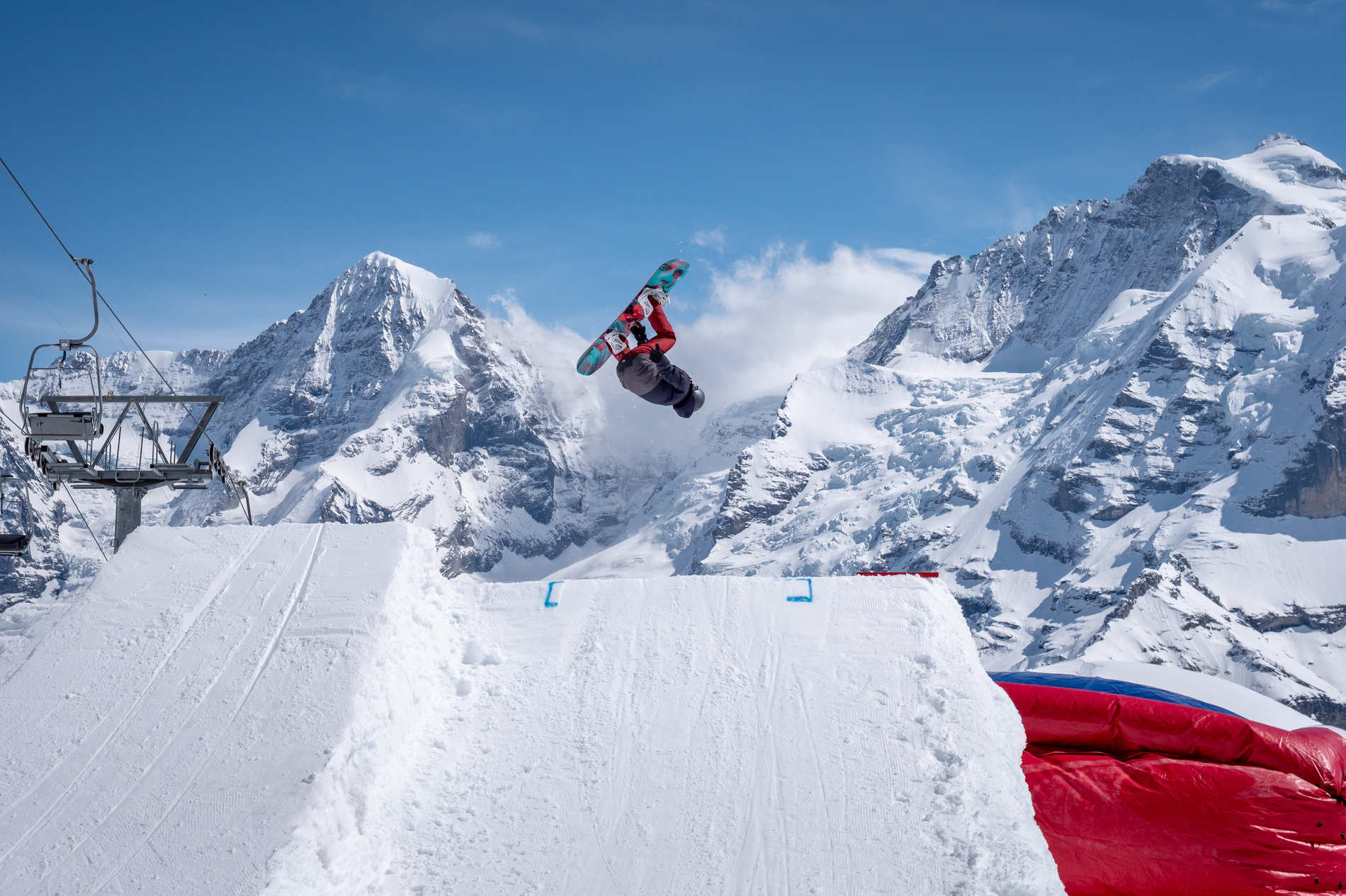 web schilthorn 06 04 2019 action sb unknown patrick luchs acrobag 008