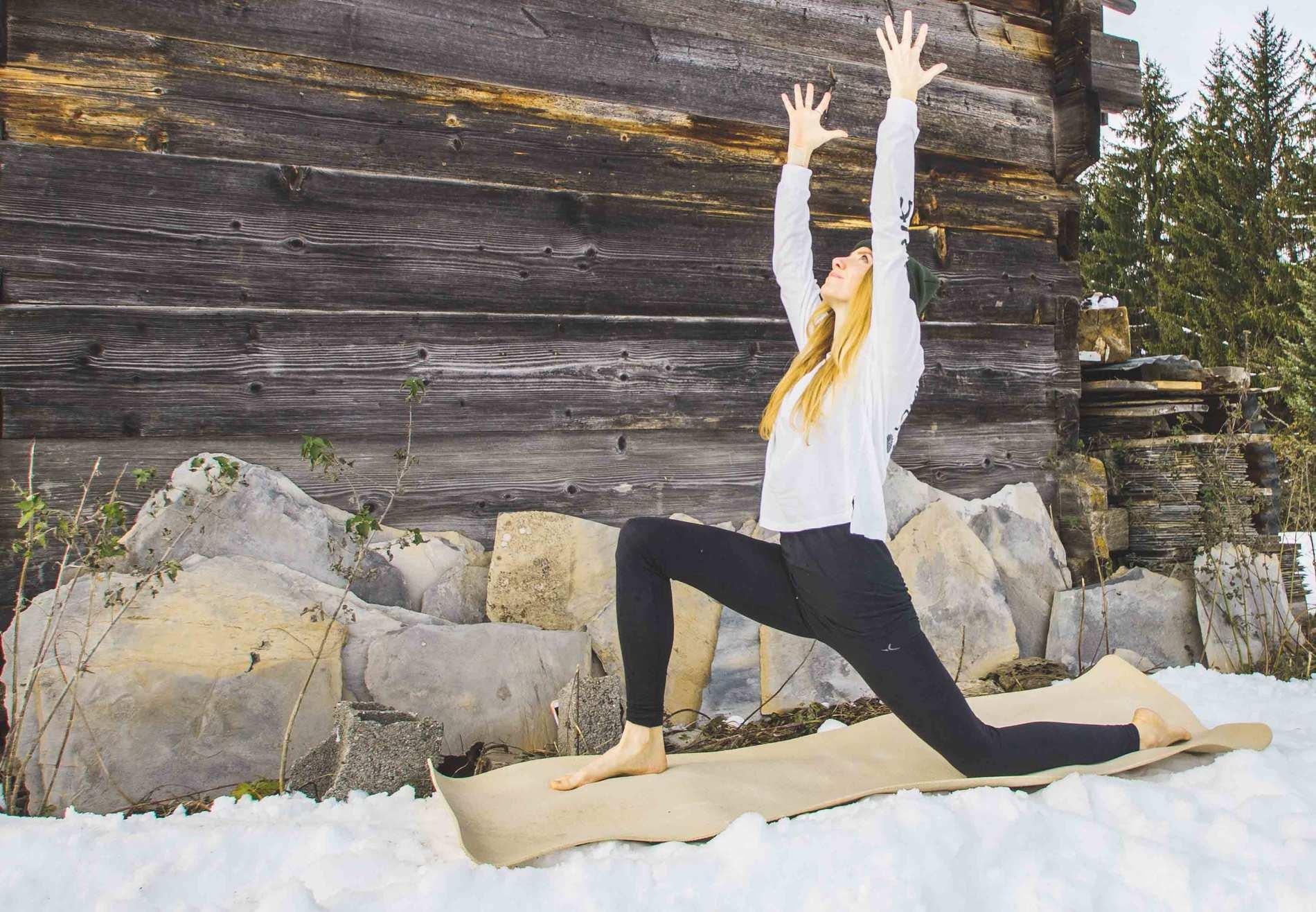 Low Lunge (© Wild Path Yoga)