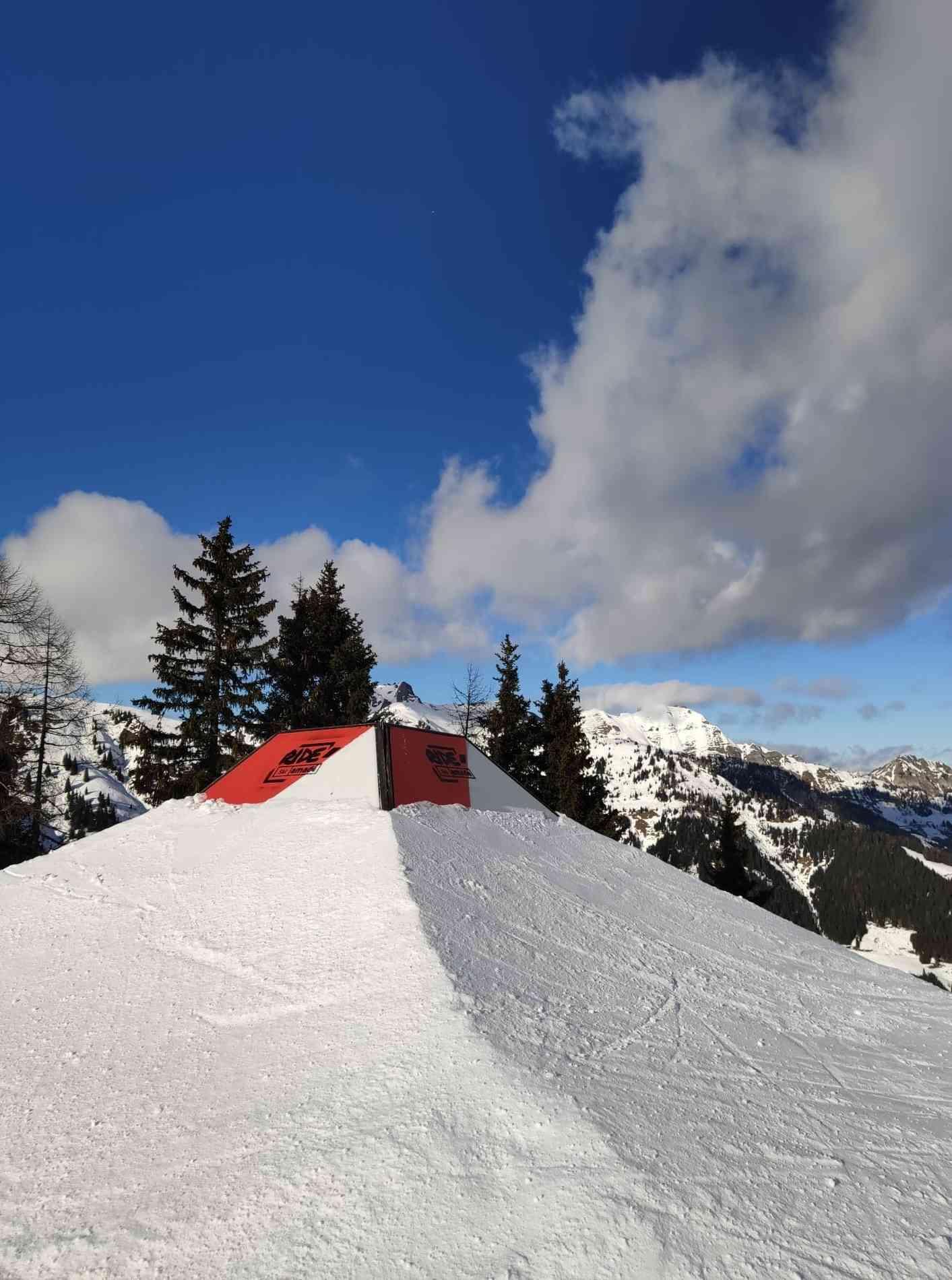 Nicht-Schnee-Element Special Ski Amadé Cube 2m
