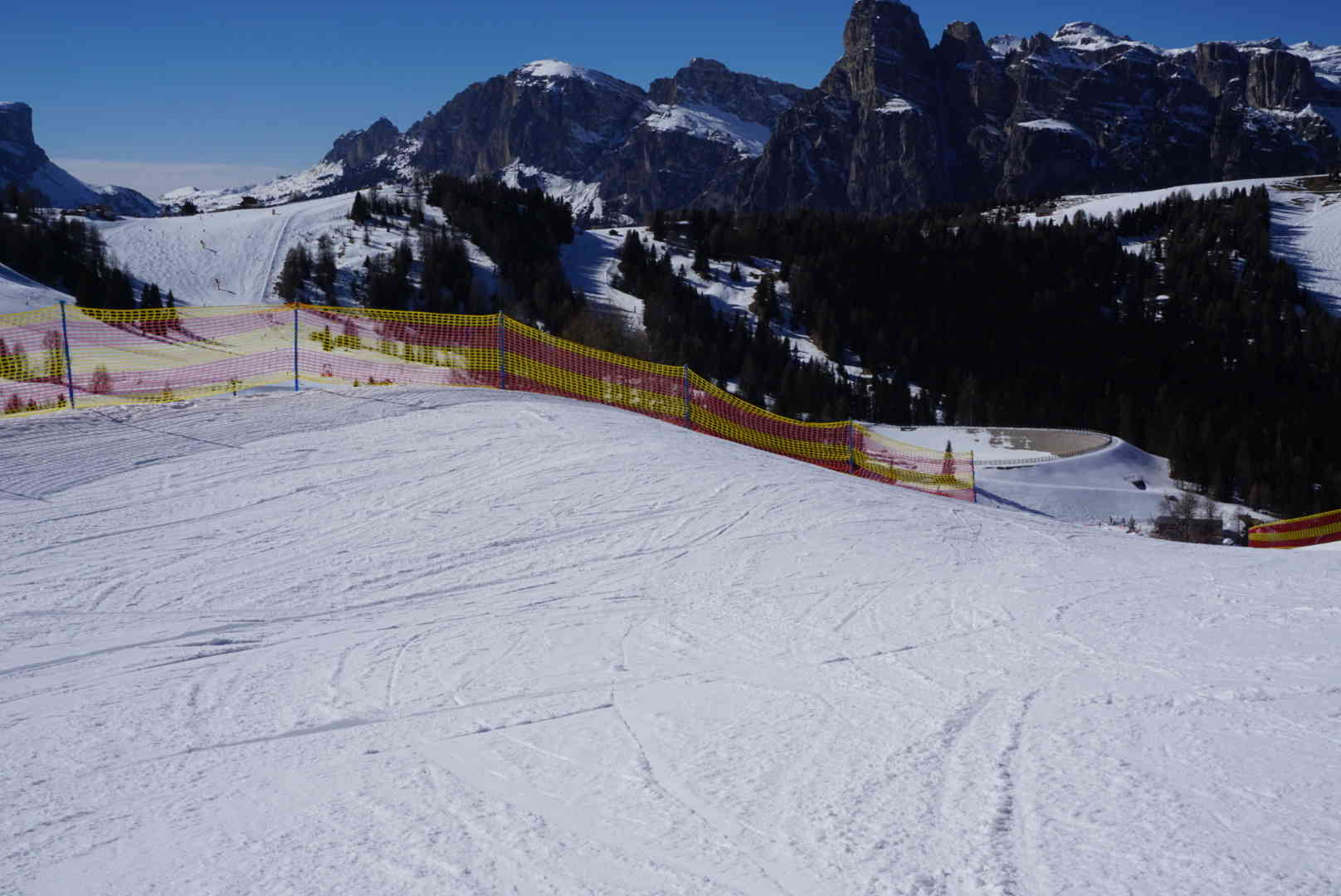 Beginner Area Schnee-Elemente Banked Turn